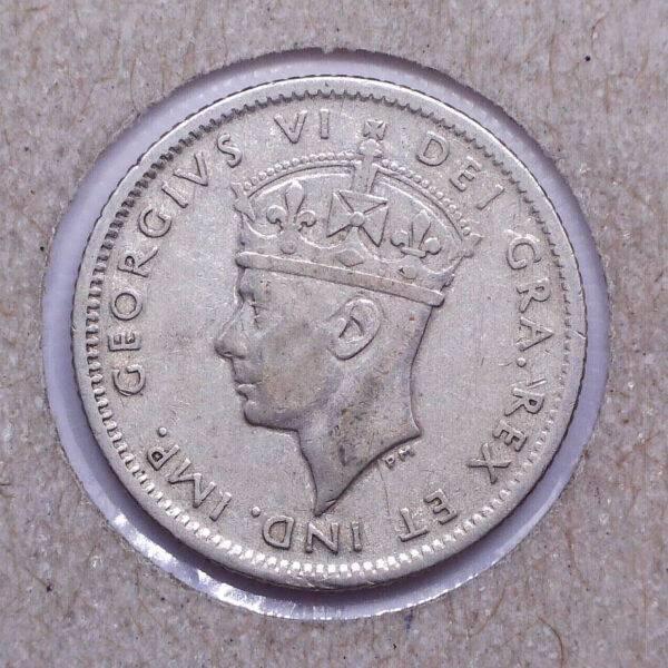 CANADA - 10 Cents 1945C - Terre-Neuve